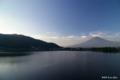 [山梨県][富士五湖][富士山]夜明けの富士と河口湖