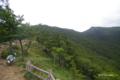 [北海道][アポイ岳]アポイ岳登山道 5合目休憩小屋から登山道と稜線を望む
