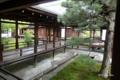 [京都]仁和寺 白書院から寝殿・黒書院への渡り廊下