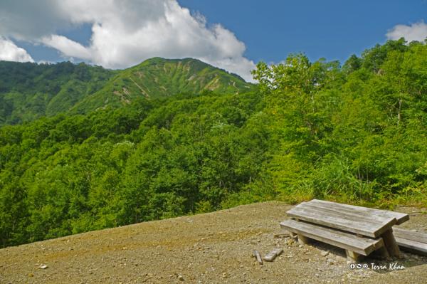 鉱山跡から望む長万部岳