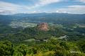 [北海道]有珠山洞爺湖展望台から見下ろす昭和新山と壮瞥町市街地