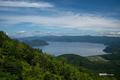 [北海道]有珠山洞爺湖展望台から見下ろす洞爺湖
