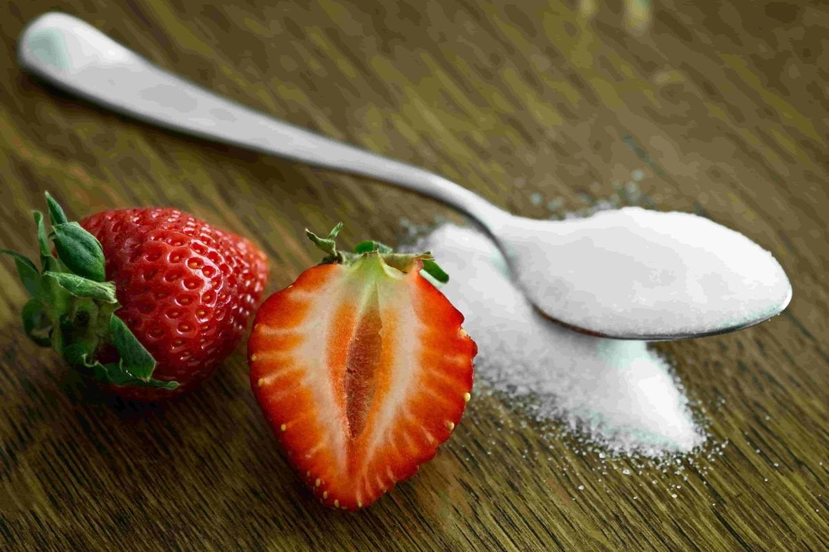 体に悪い砂糖といちごの果糖