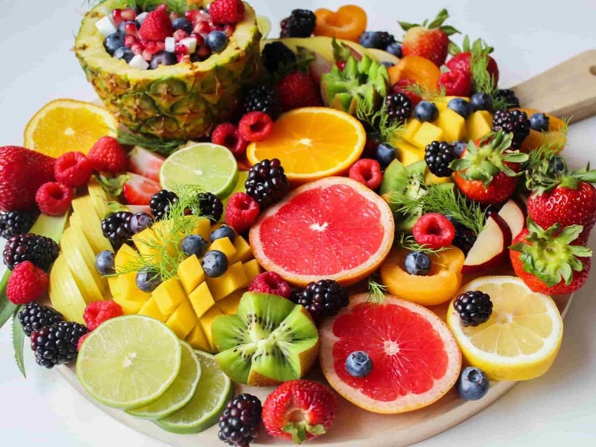 果汁100%ジュースの原材料の果物