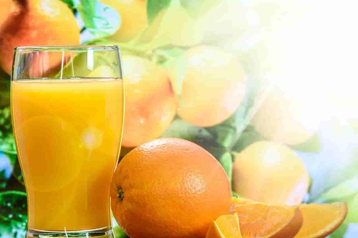 濃縮還元果汁100%オレンジジュース