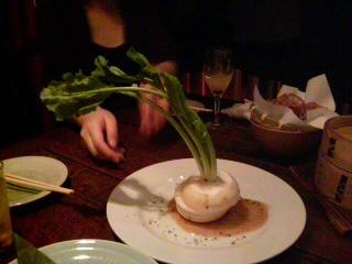 まるごとカブのサラダ