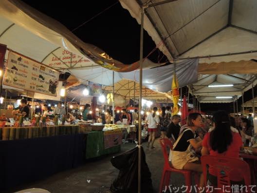 20151021205633 - 【チェンマイ街散歩】オシャレなソイ歩きでカフェとターペー門で海老の夕食