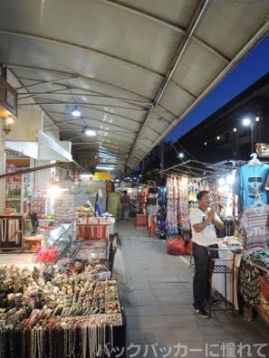 20151022083159 - チェンマイの夜散歩でお薦めしたいバーに出会った! 〜ナイトマーケット・クラブ・バー編〜