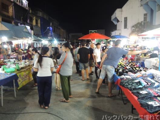 20151101123113 - チェンライのナイトマーケットとフードコートを歩く!