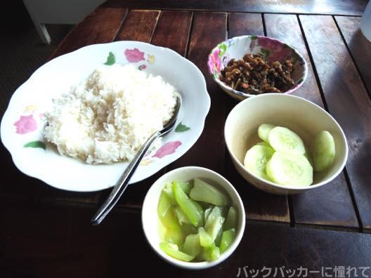 20151105145037 - 【ミャンマー】タチレク国境近くの食堂で食べたミャンマー料理が美味しい!