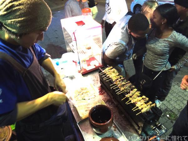 20151215191559 - 基地の街ゲート通りでディープな夜のアメリカ人街を飲み歩く