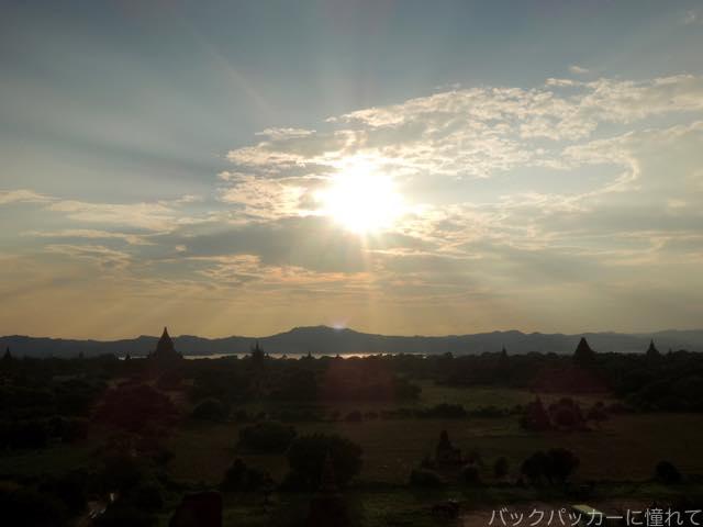 20161015201814 - ミャンマーバガン遺跡の仏塔・寺院でサンライズ&サンセット観光!