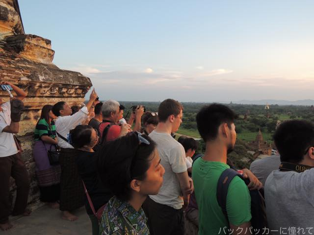 20161016114425 - ミャンマーバガン遺跡の仏塔・寺院でサンライズ&サンセット観光!
