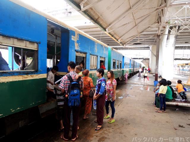 20161029080538 - ヤンゴン環状線でぐるっと一周3時間のゆるり列車旅