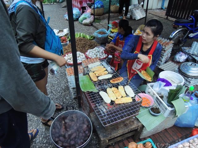 20170205095609 - 夜明け前から始まるルアンパバーンの早朝市場でちょっと一服