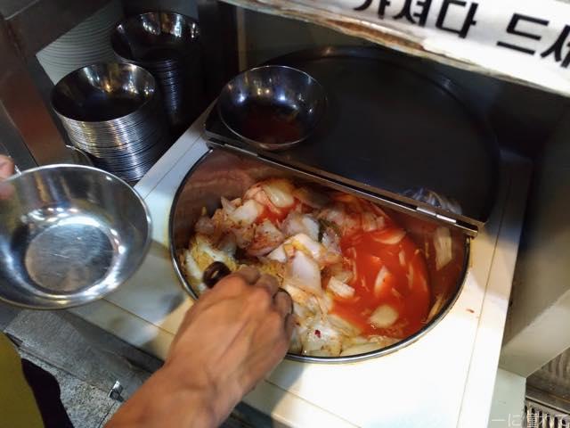 20170518190858 - 【ソウル】東大門のタッカンマリ横丁で鶏が丸ごと入った鍋に大満足!