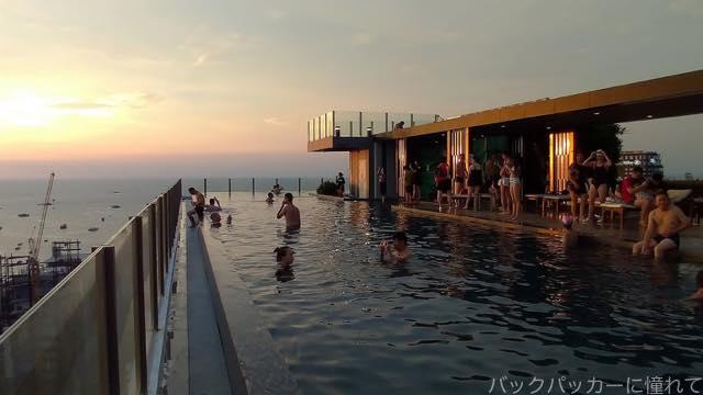 20181015194624 - タイのairbnb|パタヤの海が見えるプール付コンドミニアムで民泊体験