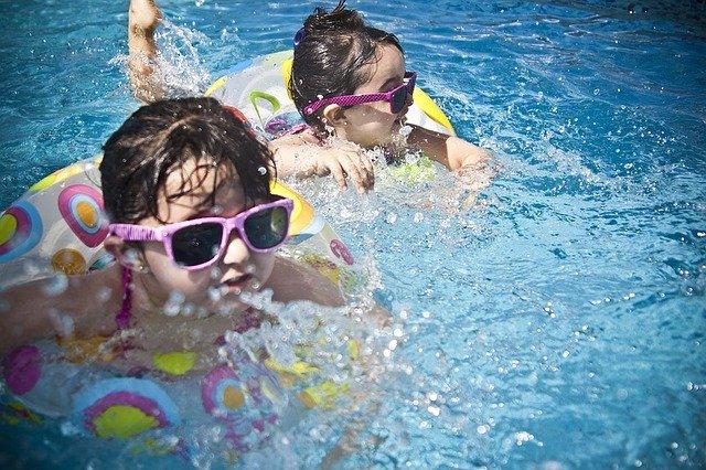 夏 プールのサムネイル
