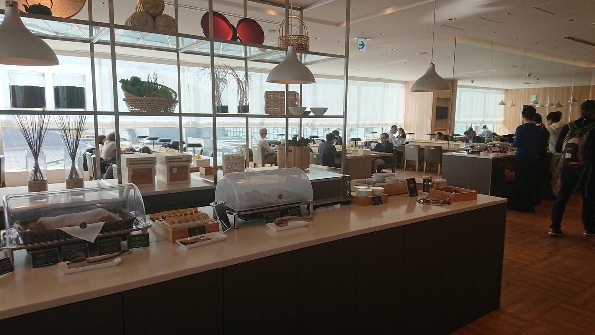 JAL Sakura Lounge Haneda Tokyo 日本航空 JAL サクララウンジ 羽田 ビジネス ワンワールド