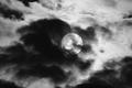 [月景色]雲間の満月