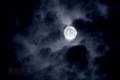 [月景色]雲間を照らす小望月