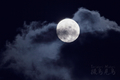 [月景色]雲間の小望月