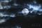 雲間の望月