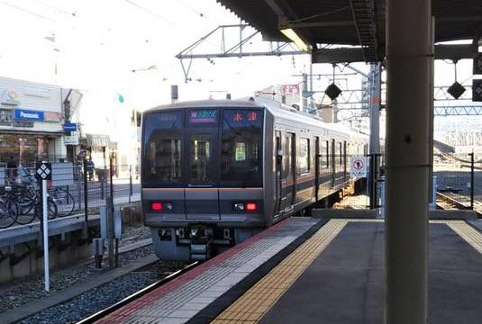 JR西日本の207系