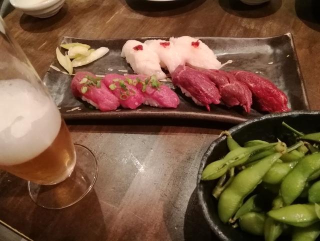 夕飯に動物園前の肉寿司