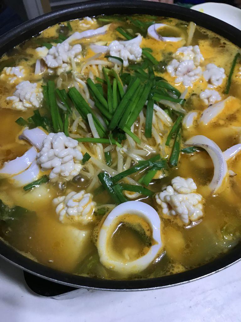 贅沢チゲ鍋