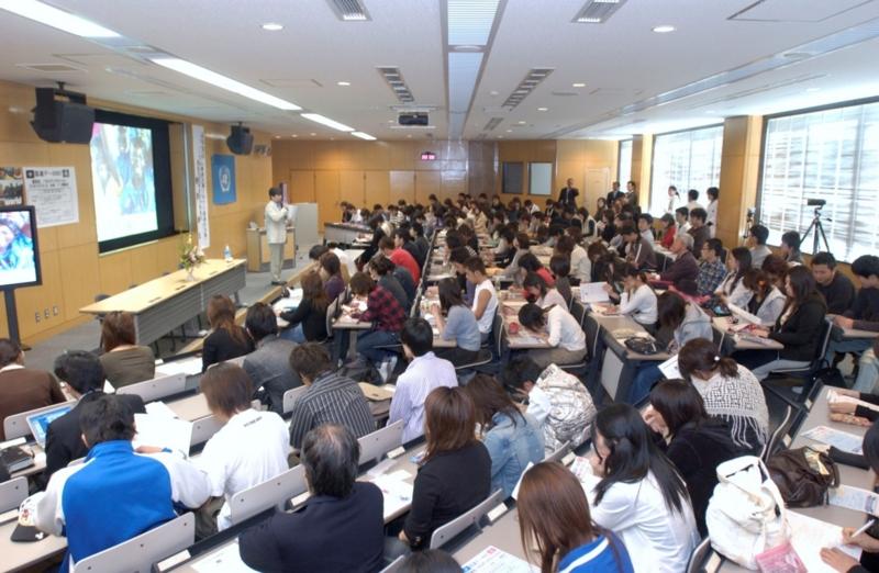 f:id:UNIC_Tokyo:20131220102511j:plain