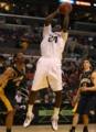 Quincy Pondexter rebounds in a Nike Kobe II iD