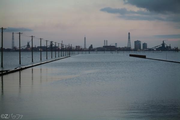 海中電柱(江川海岸)