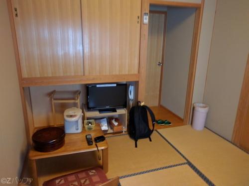 ビジネス宿中里の部屋