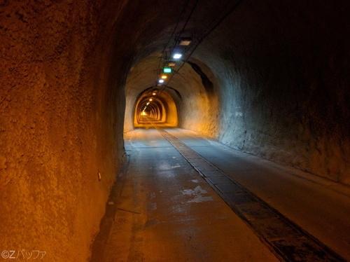 青宝トンネルの内部2