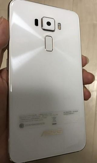 Zenfone3日本版背面ガラス