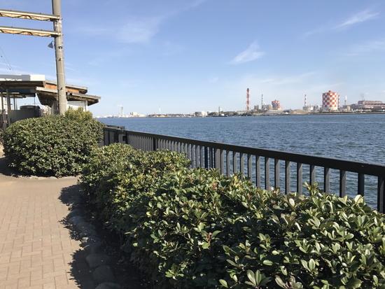 海芝浦公園と海芝浦駅