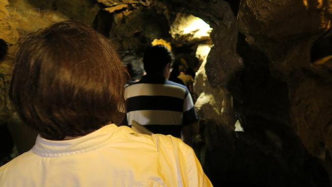 竜ヶ岩洞の内部