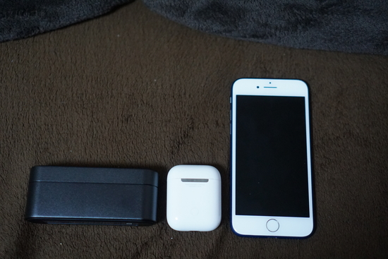 airdpodsとソニーワイヤレスイヤホンのケース大きさ比較