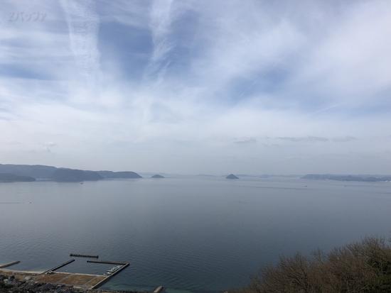 女木島の展望台から見た瀬戸内海の島々