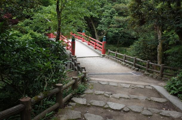 高岡古城公園にある朝陽橋