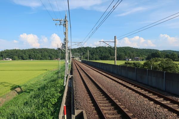 くびき駅ホームから十日町方面を見た景色