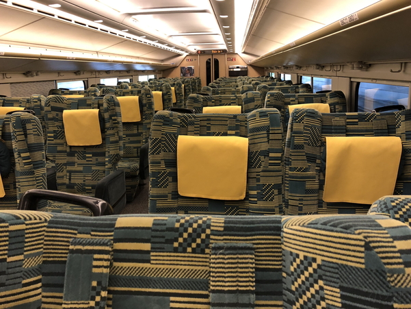 上越新幹線2階グリーン席はお盆の時期でも空いていた