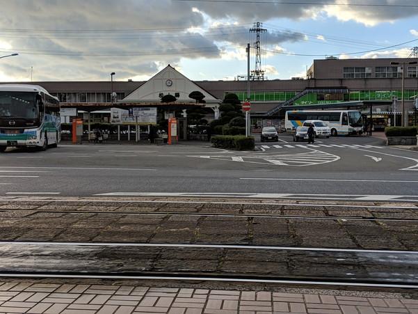 JR松山駅前