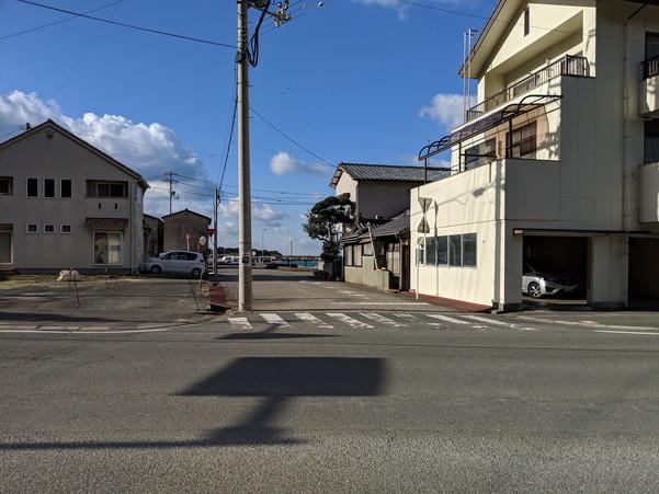 伊予長浜駅前