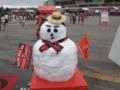 [浦和レッズ][サッカー][埼玉スタジアム2002]スタジアムに突如現れた季節外れの雪だるま