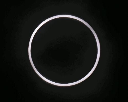 金環日食をしっかりと観る事が出来ました(^_^)
