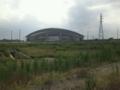 [浦和レッズ][埼玉スタジアム2002]駐車場からスタジアムに向かう途中で見える埼スタ