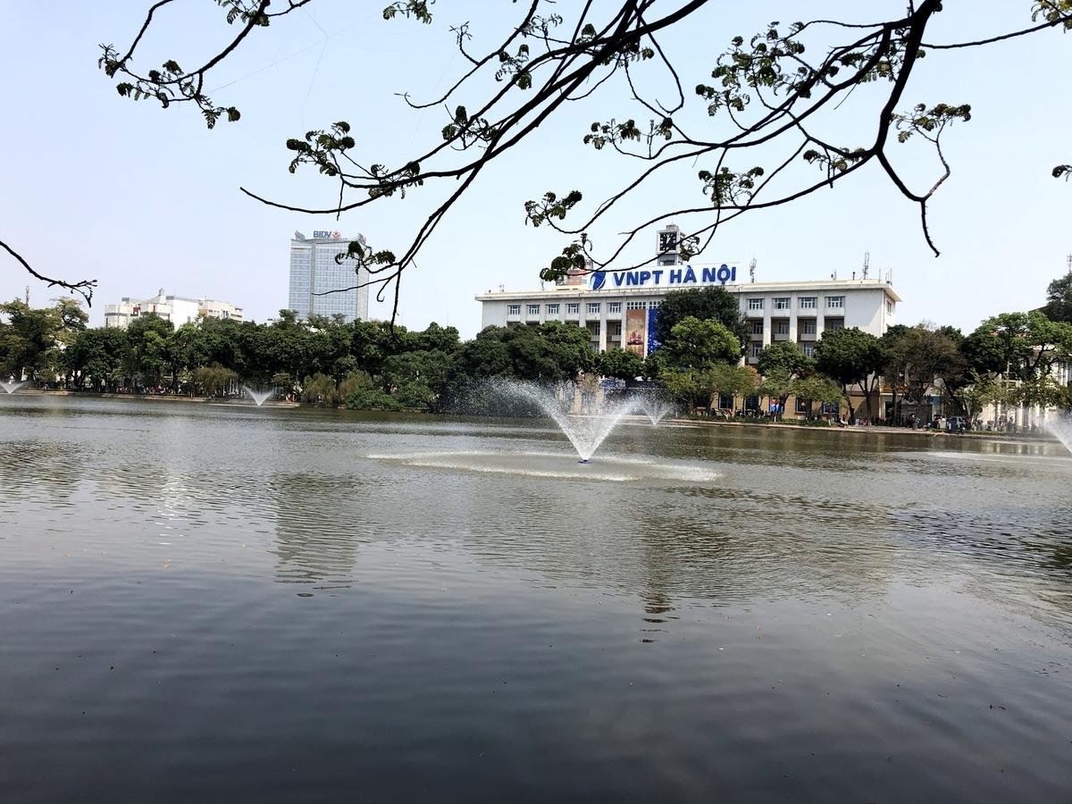 ベトナム ホアンキエム湖