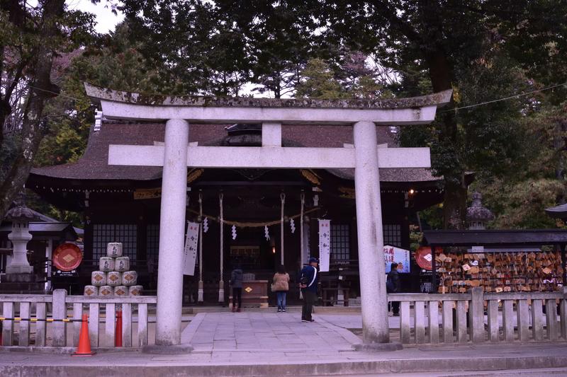 武田神社 鳥居 拝殿